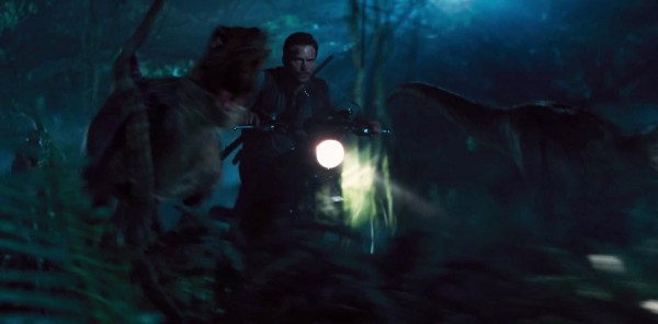 jurassic-world-trailer-image-22-600x296