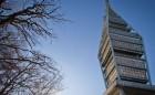 ILUSTRAÈNÁ SNÍMKA - Televízna veža stojaca na vrchu Kamzík v Malých Karpatoch na Kolibe v nadmorskej výške 433 m n. m. je najvyššie položenou stavbou v Bratislave. Veža je vysoká 194 metrov a jej vrchol dosahuje výšku 635 m n. m. Bratislava, 29. december 2012. Foto: SITA/¼udovít Vaniher